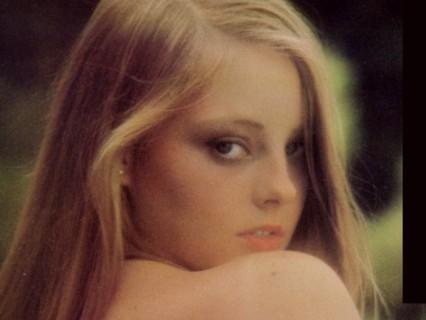 【画像】ハリウッド女優がまだ少女だった時のヌードが衝撃的な可愛さ