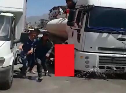 【閲覧注意】選挙活動の車が人轢き殺す映像とかはじめて見たわ