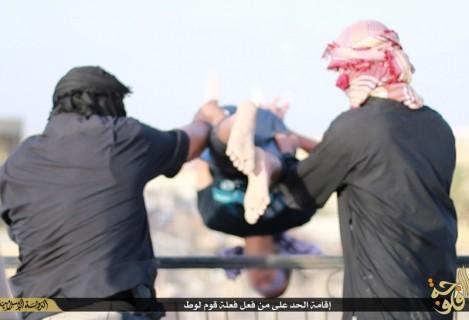 【閲覧注意】ゲイである事がISIS(イスラム国)にバレたらこうなる・・・