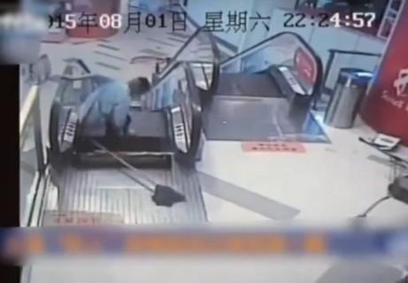 【動画】中国でまた・・・。エスカレーターで足切断の瞬間
