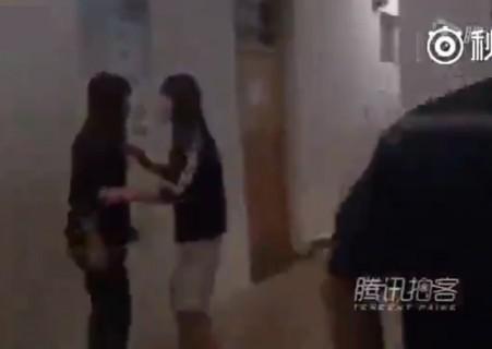 女子大生が大学のトイレで赤ちゃんを産んでそのまま放置 ⇒ 何か声が聞こえる…(動画)