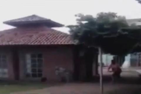 娘に手を出したおじさん、娘の父親に殺される・・・(動画)