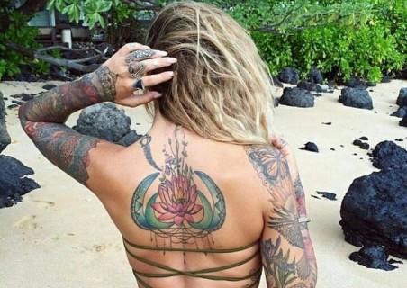 【画像】全身にタトゥーが入ってる女の裸ってどうなの?