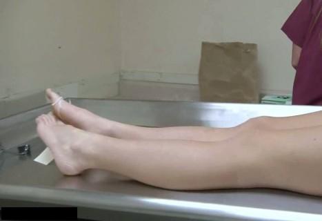 """【閲覧注意】自殺した若い女の子の """"全裸死体"""" 、綺麗なままネット上に公開される…"""