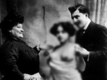 【画像】150年前の売春婦・・・これ可愛すぎだろ・・・
