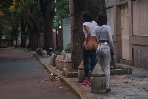 【画像】ベネズエラにセ○クスしに行ってきたので売春婦たちをご覧ください