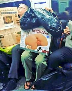 電車の中にヤバい奴いた・・・(1枚)