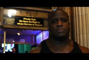 【動画】無敗伝説。アメリカのクラブのバウンサーと喧嘩したらこうなる