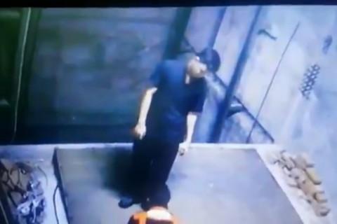 エレベーターで「めっちゃ怖い死に方」する男性の映像が話題に