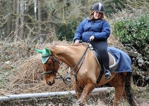 デブ女が週2で同じ馬に乗り続けた結果 ⇒ しばらく経った馬の姿が…(画像)