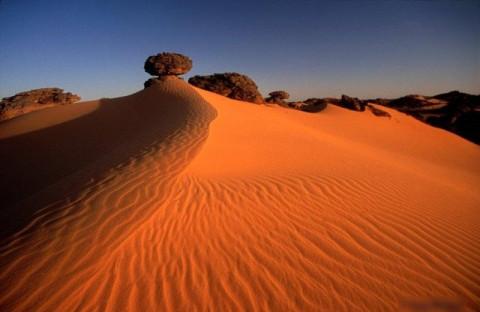 【閲覧注意】「リビア砂漠」に今絶対に行ってはいけない理由・・・(画像)