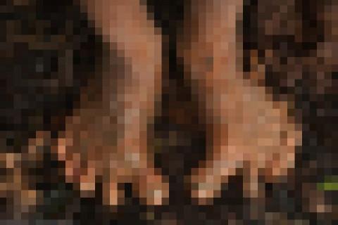 人間はすでに進化していた!エクアドルの原住民たちの「足」がとんでもない事に・・・