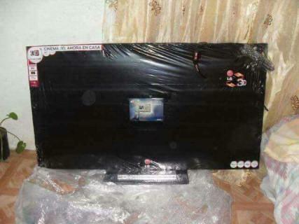 【画像】Facebook経由でテレビ買ったらとんでもないものが届いた。これもう犯罪だろ…