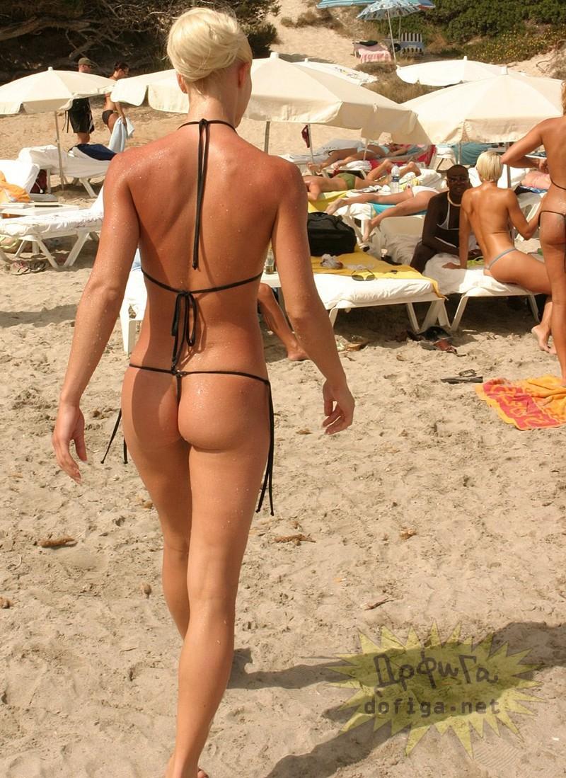 Частные фото русских девушек на пляже в микро бикини