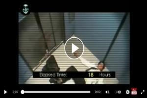 【動画】人間をエレベーターに41時間閉じ込めたらおかしくなり始めた
