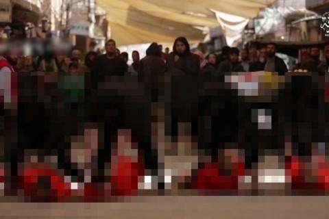 【閲覧注意】イスラム国で行われる「人間を使ったイベント」が恐ろしすぎる…(動画)