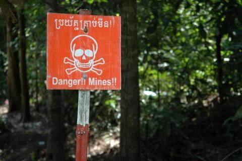 【閲覧注意】地雷がうようよある場所に子供3人が立ち入った結果・・・