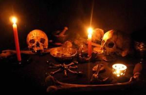 【閲覧注意】アフリカの魔術師、「黒魔術の儀式」のため6歳の息子の首を切断
