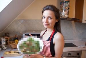 【閲覧注意】この美女と付き合える(※ ただし、この手料理を毎日食べなければいけない)