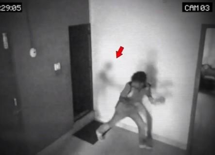 幽霊は存在した! 海外でとんでもない映像が撮影され「怖すぎる」と話題に