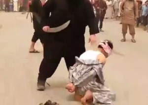 """【閲覧注意】イスラム国の """"処刑人"""" 、人を殺すのに0.1秒もかからない・・・(動画)"""