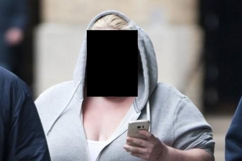 【画像】15人の男にレ●プされた20代女性、勇気を出して公の場に… ⇒「冗談は見た目だけにしろ」と批判殺到