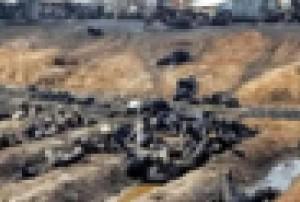 【閲覧注意】タンクローリー横転 ⇒ 「よっしゃー石油盗むぞ!」300人集まる ⇒ 大爆発