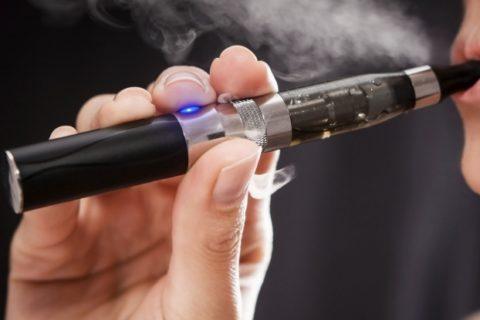 超危険! 電子タバコ使ってるやつ、これ見ろ・・・(動画)