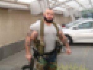 【画像】ISISの相手にとんでもない化け物がいると話題に・・・これは勝てないわ