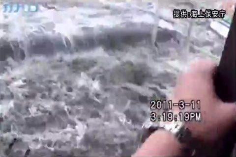 【動画】海外サイトで公開されていた「日本の大津波」の映像がヤバすぎる…