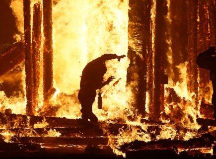 【画像】お祭りで調子乗りすぎたDQNの末路… この人マジで死亡したらしい…(9枚)