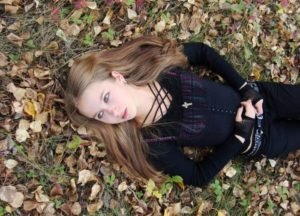 【閲覧注意】10代の美少女が「ヤンキーになった2年後」の姿が信じられない・・・(画像)