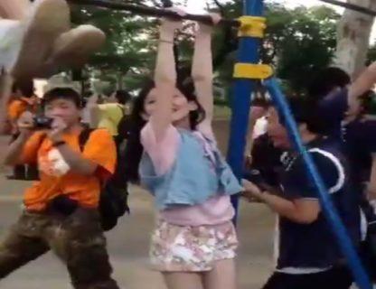 海外「日本の小児性愛者ヤバいぞ… こんな小さな女の子たちを…」(動画)