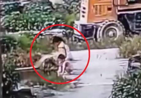 【動画】川に落ちた子供が死亡 ⇒ 助けようとした友達1人が死亡 ⇒ それを助けようとした友達1人が死亡