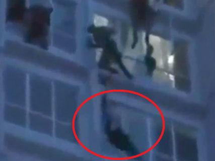 【動画】消防士さん、自殺者を助けようとして見事に殺してしまう…
