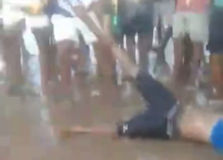 【超!閲覧注意】海水浴場でこの世のものとは思えない恐ろしい光景が撮影される(動画)