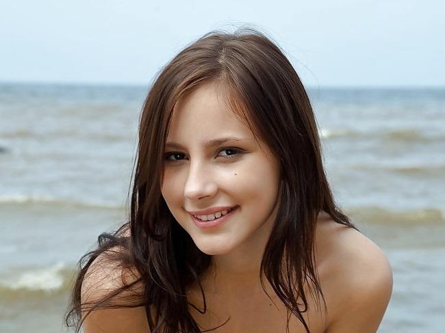 ロシア ヌーディストビーチ 美少女 無修正