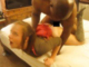 女子小学生を屈強な黒人男性がレ●プするエーブイ・・・ (画像)