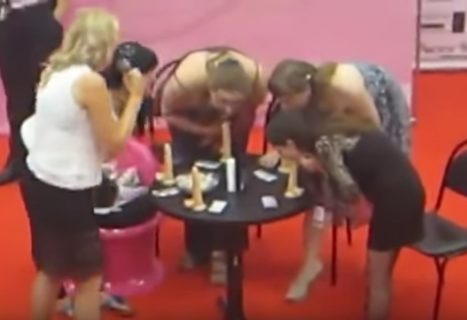 「フ●ラチオスクール」デパートでとんでもなくエロいイベントが開催されてしまう…(動画)