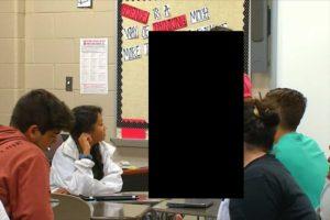 【画像】高2男子と無理やりHして逮捕された女教師(22歳)のルックスをご覧ください…