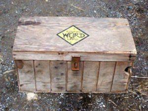 """【閲覧注意】サーカス団のテントにある、""""絶対に開けてはいけない箱"""" の中身がやばい"""