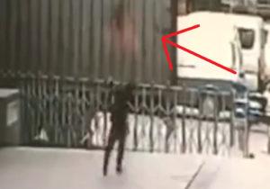 【衝撃映像】11階から飛び降り自殺した女性を下で受け止めようとした男性はこうなる