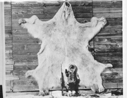 """【超!閲覧注意】シベリアで """"世界最強の生物"""" に襲われた女性の画像、もはや直視できない…"""