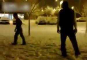 【衝撃動画】黒人(180cm)がアジア人(160cm)をいじめた結果wwwwwwww