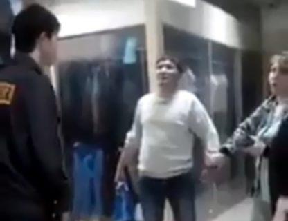 【衝撃映像】「仁王立ちのまま死亡した男」、伝説の動画