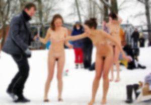 【画像】ロシアの寒中水泳、美少女ばっかで超エロい
