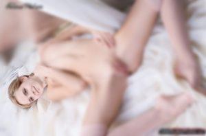 【画像】エマ・ワトソンのマンコ丸見えな全裸が流出してるけどこれはwwwwww