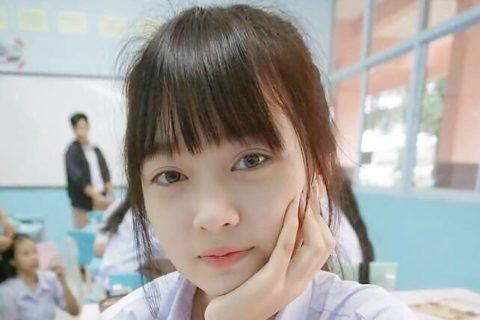【画像】美人女子高生(18)、卒業した途端 無修正エロ写真が大量流出してしまう…