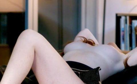 超有名女優(31)がヌードを披露! ピンク乳首、めちゃめちゃエロいおっぱいしてた…