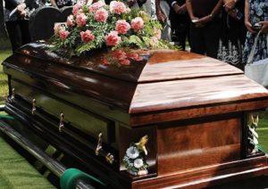 【閲覧注意】妊娠7か月で死亡した女性の棺を久しぶりに開けた結果…マジかよ…(画像あり)